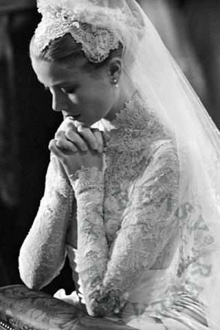 Grace Kelly classy wedding gown