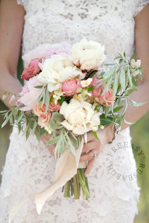 How Long Should Bridal Bouquet Stems Be : Freeasy bridal every bride should own a gown